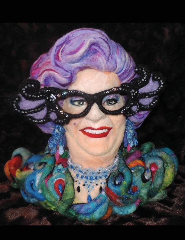 Dame.Edna.3d